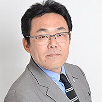 亀川 賢治(かめかわ けんじ)